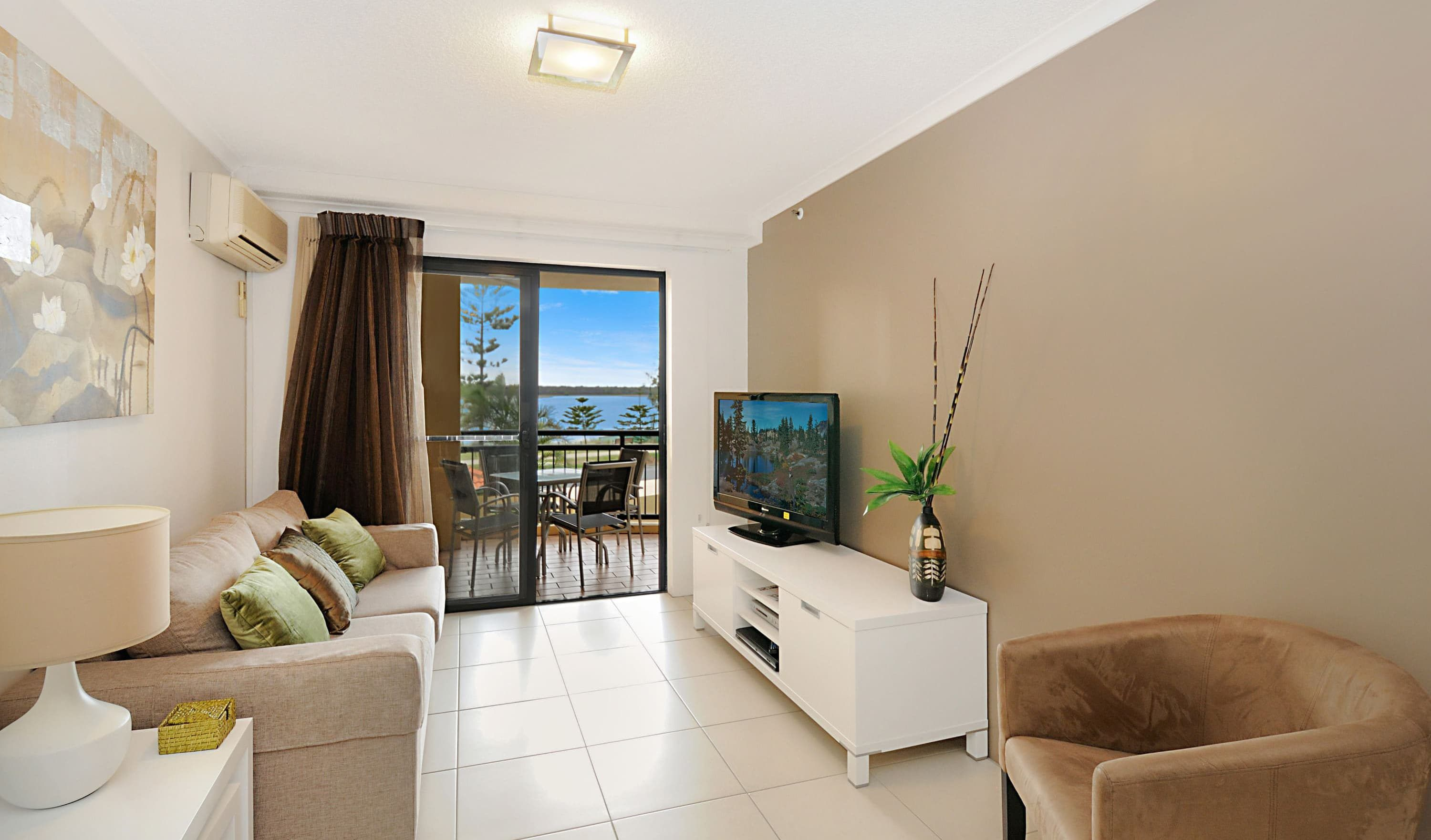 Gold Coast Accommodation Near Theme Parks